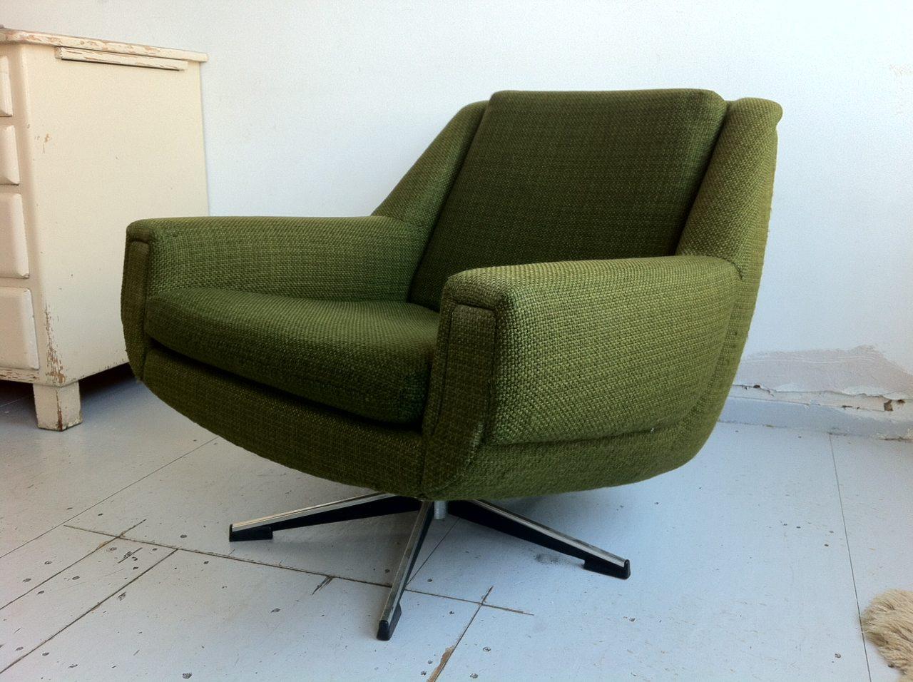 Vintage fauteuil draaistoel groene stof met sterpoot gebroeders van duijn - Lederen fauteuil huis van de wereld ...