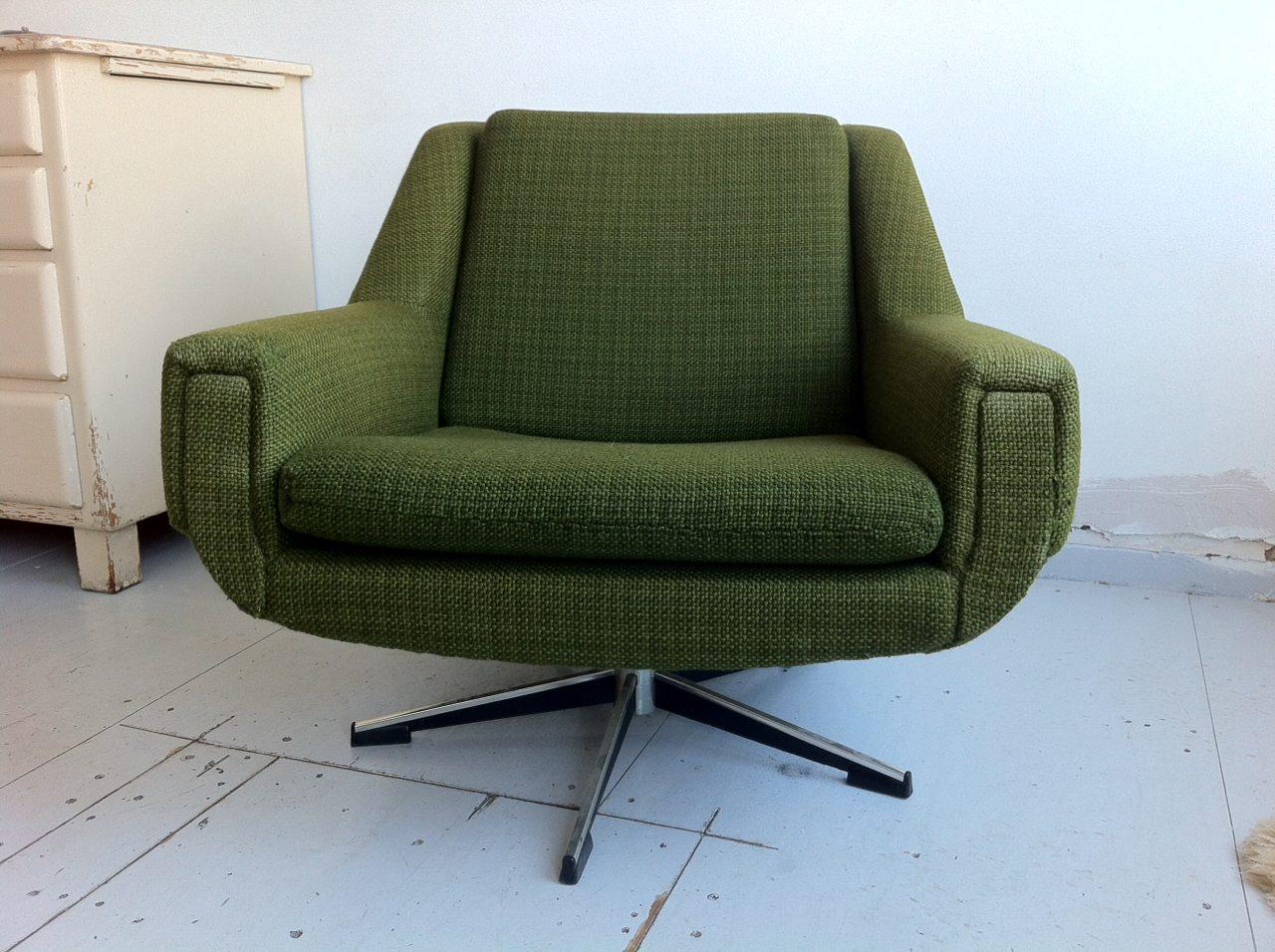 Vintage fauteuil draaistoel groene stof met sterpoot - Fauteuil retro ...