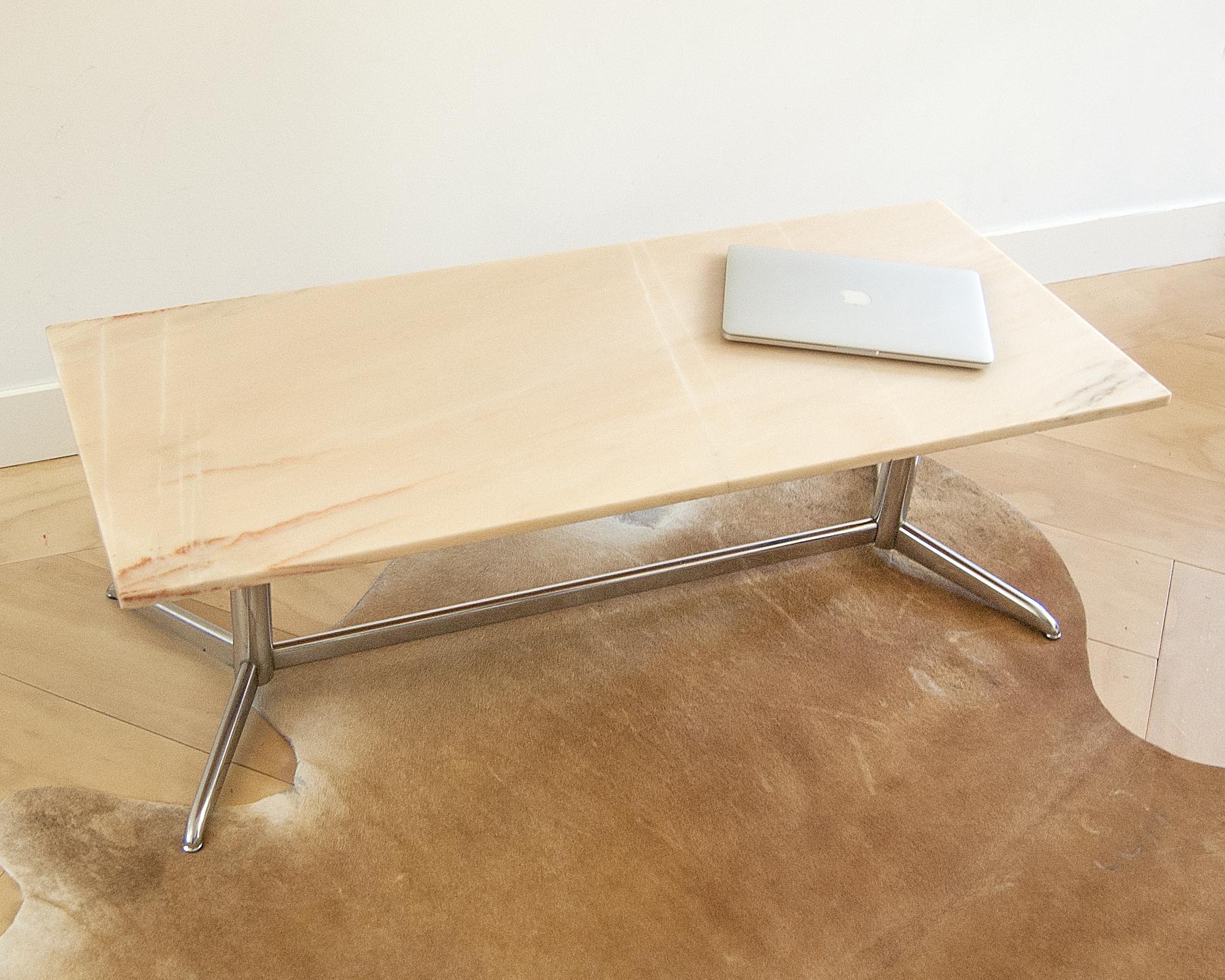 Prachtige vintage marmeren salontafel met chromen onderstel   Gebroeders van Duijn