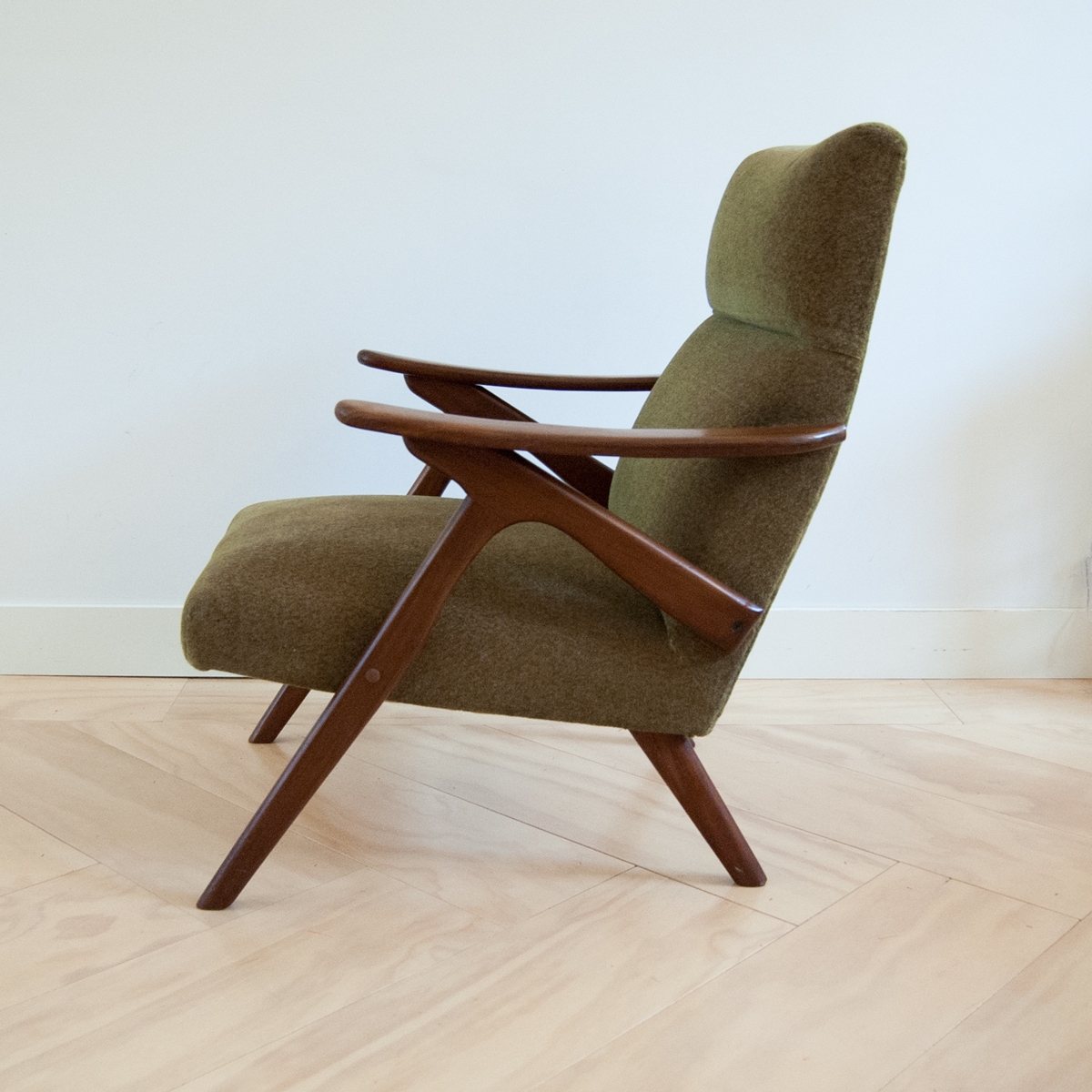 Lounge fauteuil easy chair in scandinavische stijl for Deense fauteuil