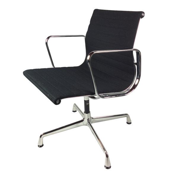 de ster gelderland vintage fauteuil met nieuwe mosterdgele bekleding gebroeders van duijn. Black Bedroom Furniture Sets. Home Design Ideas