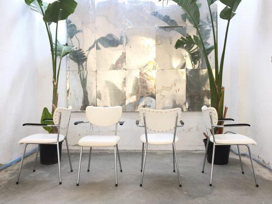 Vier Gispen gebroeders de Wit stoelen - wit buisframe goede staat